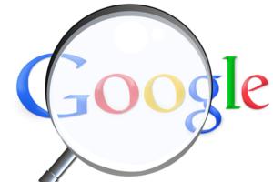 Internethelp artikkeli hakukoneoptimointi Google suurennuslasi